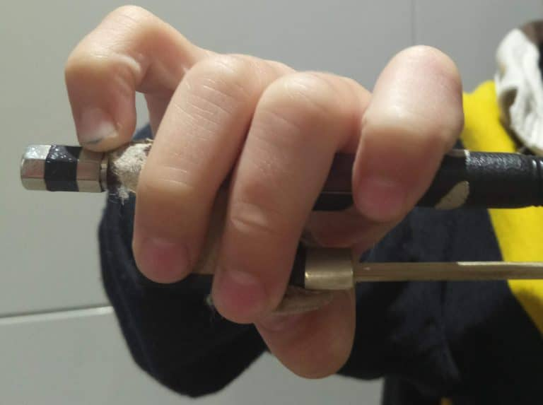How To Hold A Violin Bow – Your Step By Step Guide
