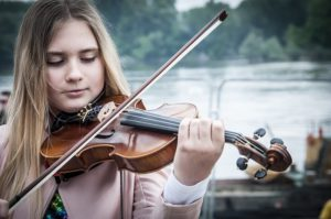 playing violin in third position